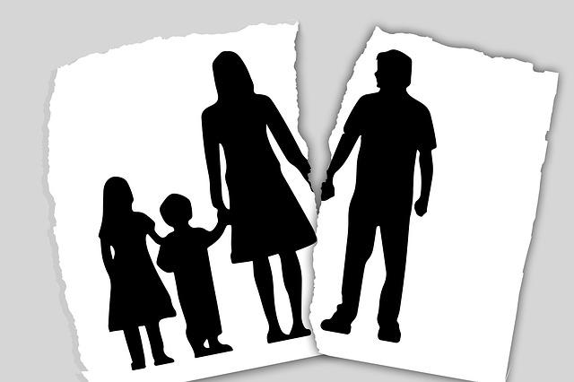 Être résigné à côtoyer son ex