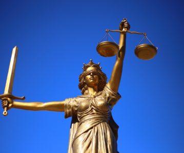 Justice à deux vitesses